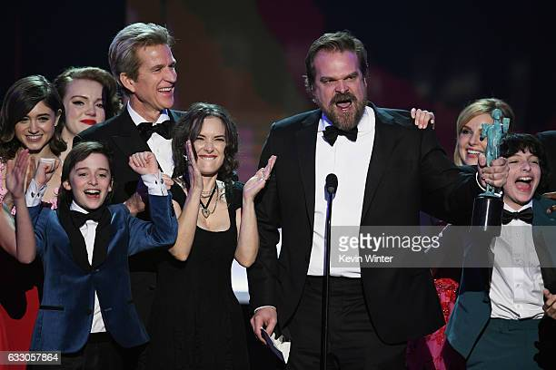 Actors Natalia Dyer Shannon Purser Matthew Modine Noah Schnapp Winona Ryder David Harbour Cara Buono and Finn Wolfhard of 'Stranger Things' accept...