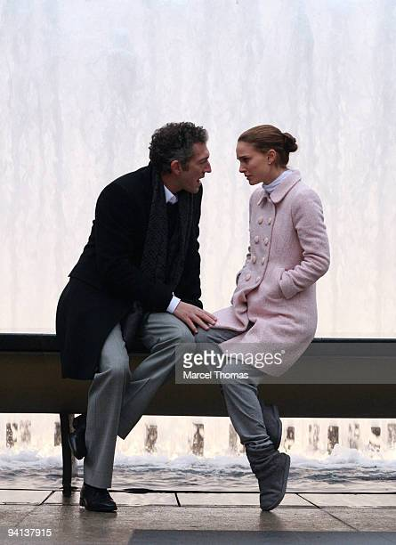 Actors Natalie Portman and Vincent Cassel work on the set of the movie 'Black Swan' on location on the streets of Manhattan on December 7 2009 in New...