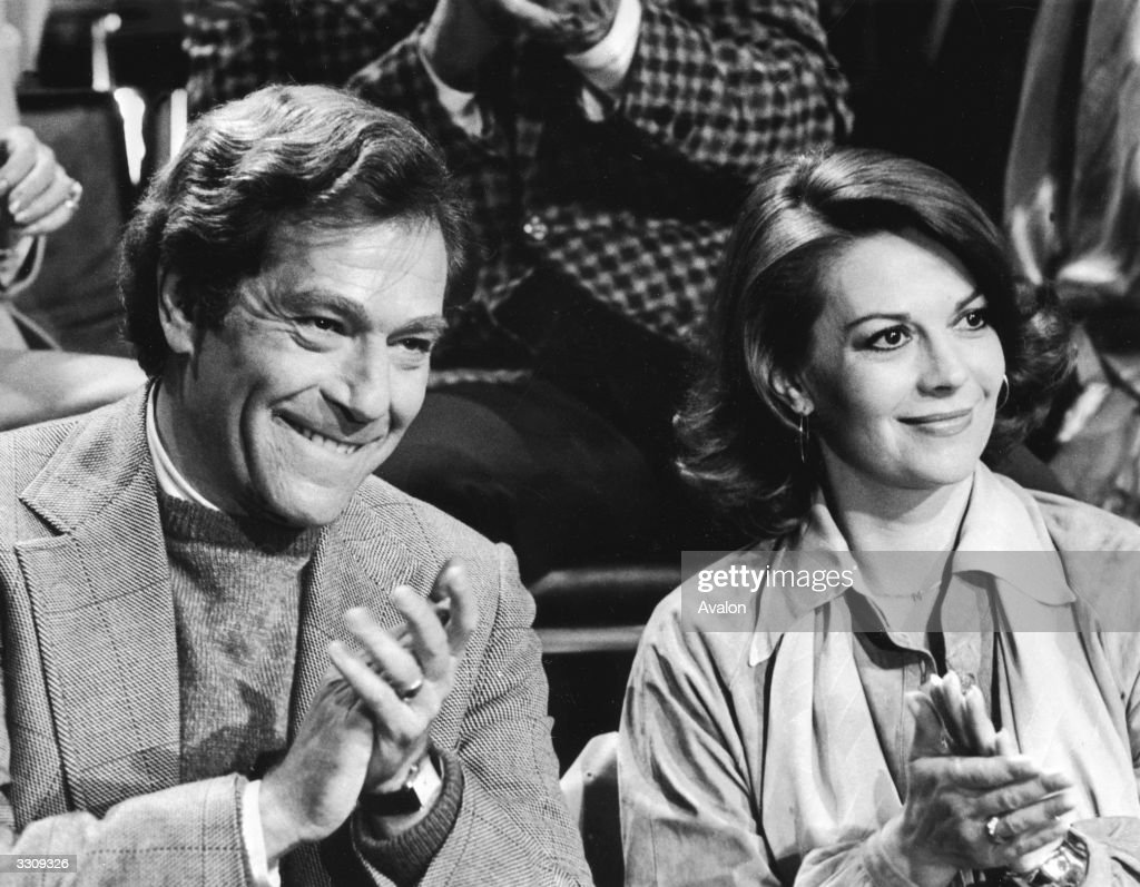 Actors Natalie Wood and George Segal, who star together in the new Hollywood comedy 'The Last Married Couple in America', directed by Gilbert Cates for Universal / Cates Brothers.