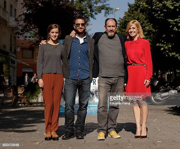 Actors Nausicaa Bonnin Dani Rovira Karra Elejalde and Alexandra Jimenez attends the '100 metros' photocall at Paz cinema on November 2 2016 in Madrid...