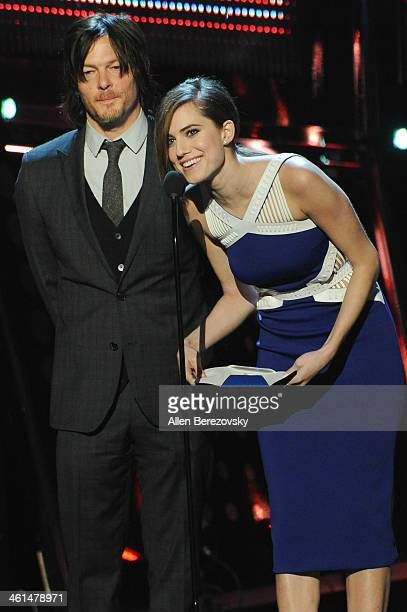 Actors Norman Reedus and Allison Williams speak onstage at The 40th Annual People's Choice Awards show at Nokia Theatre LA Live on January 8 2014 in...