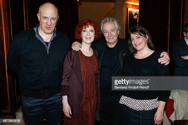 Actors of the play Chick Ortega Evelyne Buyle Pierre Arditi and Nanou Garcia pose after the 'Comme s'il en pleuvait' Theater Play for TV at Theatre...