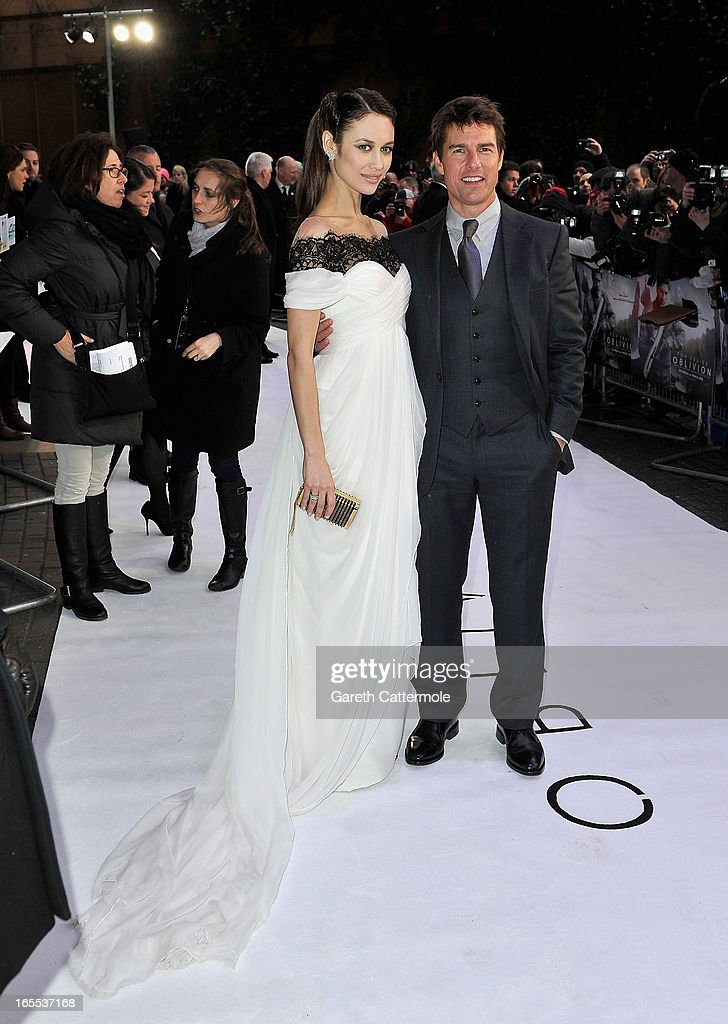 Actors <a gi-track='captionPersonalityLinkClicked' href=/galleries/search?phrase=Olga+Kurylenko&family=editorial&specificpeople=630281 ng-click='$event.stopPropagation()'>Olga Kurylenko</a> and <a gi-track='captionPersonalityLinkClicked' href=/galleries/search?phrase=Tom+Cruise&family=editorial&specificpeople=156405 ng-click='$event.stopPropagation()'>Tom Cruise</a> attend the 'Oblivion' UK film premiere at the BFI IMAX on April 4, 2013 in London, England.