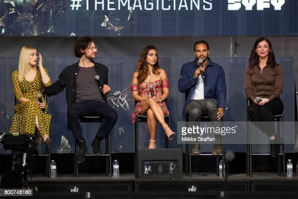 Actors Olivia Taylor Dudley Hale Appleman Summer Bishil Arjun Gupta and writer Sera Gamble talk at The Magicians panel at ID10T festival at Shoreline...