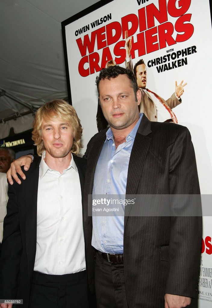 Actors Owen Wilson and Vince Vaughn attend the premiere of 'Wedding Crashers' at the Ziegfeld Theatre July 13, 2005 in New York City.