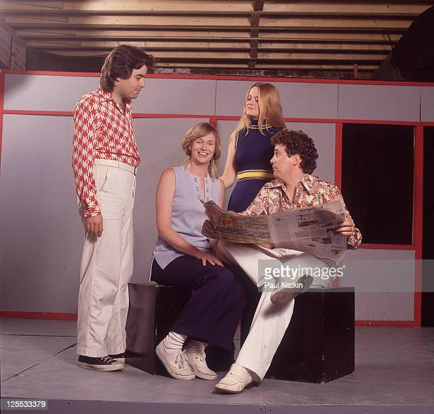 Actors Pat Towne Jane Lynch Becky Thyre and Mark Howard Sutton as the cast of 'The Real Live Brady Bunch' at the Annoyance Theater circa 1992 in...
