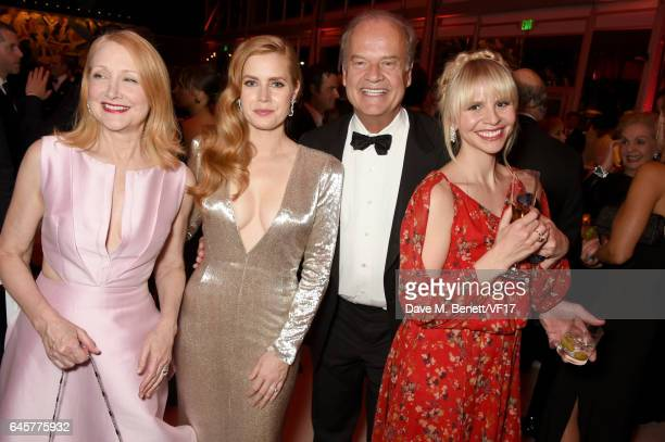 Actors Patricia Clarkson Amy Adams Kelsey Grammer and Kayte Walsh attend the 2017 Vanity Fair Oscar Party hosted by Graydon Carter at Wallis...