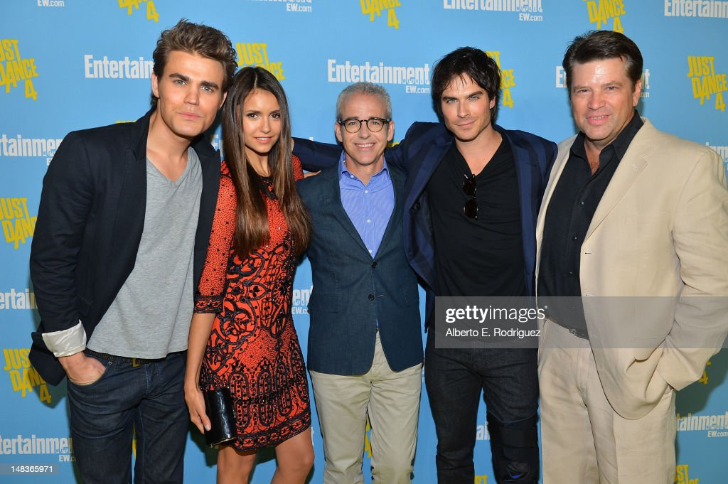 Actors <a gi-track='captionPersonalityLinkClicked' href=/galleries/search?phrase=Paul+Wesley&family=editorial&specificpeople=693176 ng-click='$event.stopPropagation()'>Paul Wesley</a>, <a gi-track='captionPersonalityLinkClicked' href=/galleries/search?phrase=Nina+Dobrev&family=editorial&specificpeople=4397485 ng-click='$event.stopPropagation()'>Nina Dobrev</a>, editor of Entertainment Weekly <a gi-track='captionPersonalityLinkClicked' href=/galleries/search?phrase=Jess+Cagle&family=editorial&specificpeople=4504558 ng-click='$event.stopPropagation()'>Jess Cagle</a>, <a gi-track='captionPersonalityLinkClicked' href=/galleries/search?phrase=Ian+Somerhalder&family=editorial&specificpeople=614226 ng-click='$event.stopPropagation()'>Ian Somerhalder</a>, and Managing Editor of EW.com Bill Gannon attend Entertainment Weekly's 6th Annual Comic-Con Celebration sponsored by Just Dance 4 held at the Hard Rock Hotel San Diego on July 14, 2012 in San Diego, California.