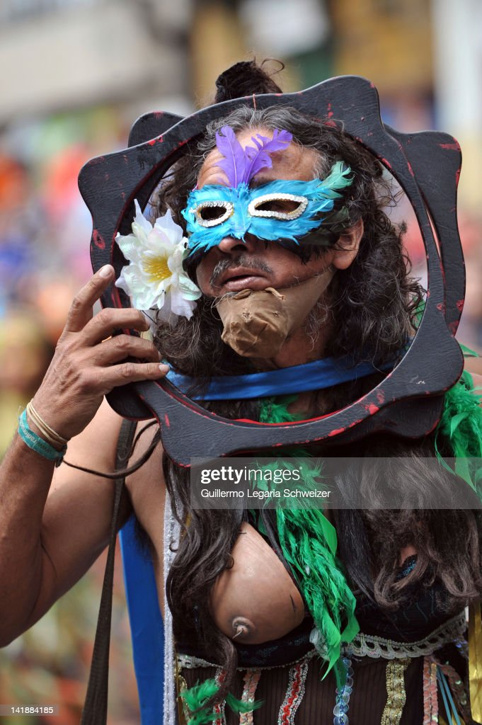Actors perform during the opening ceremony of the 13th Ibero-American Theater Festival in Bogota, on March 24, 2012. The theater festival will feature works from five continents, 33 countries, 65 international companies, more than 180 Colombian groups, around 1000 functions , 2000 artists, until April 8, 2012, and is considered the most important in Latin America.