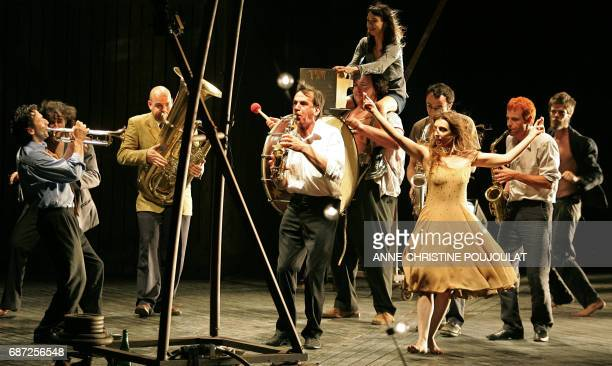 Actors perform Maxim Gorki's Barbarians directed by Eric Lacascade in the Courtyard of Honour of the Pope's Palace in Avignon 22 June 2006 during a...