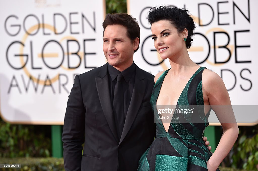 Actors Peter Facinelli and Jaimie Alexander attend the 73rd Annual Golden Globe Awards held at the Beverly Hilton Hotel on January 10 2016 in Beverly...