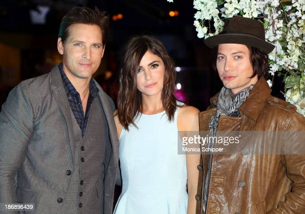 Actors Peter Facinelli Nikki Reed and Jackson Rathbone attend the Twilight Forever Fan Experience Exhibit launch at Planet Hollywood Times Square on...
