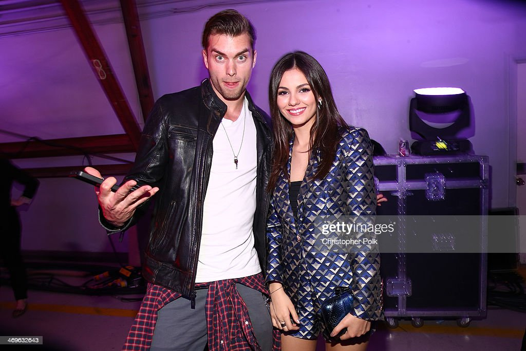 Actors Pierson Fode and <a gi-track='captionPersonalityLinkClicked' href=/galleries/search?phrase=Victoria+Justice&family=editorial&specificpeople=569887 ng-click='$event.stopPropagation()'>Victoria Justice</a> attend Cartoon Network's fourth annual Hall of Game Awards at Barker Hangar on February 15, 2014 in Santa Monica, California.
