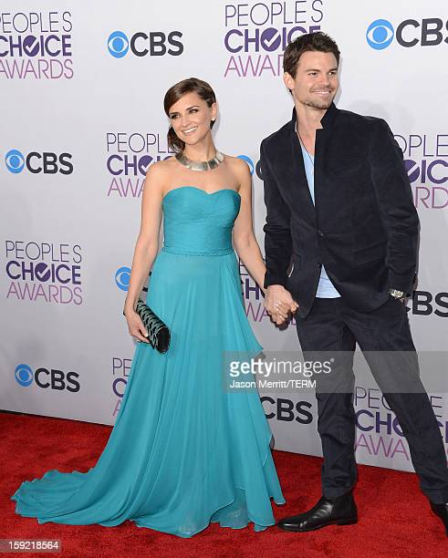 Actors Rachael Leigh Cook and Daniel Gillies attend the 34th Annual People's Choice Awards at Nokia Theatre LA Live on January 9 2013 in Los Angeles...