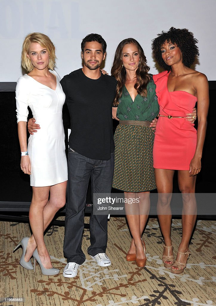 Actors Rachael Taylor Ramon Rodriguez Minka Kelly and Annie Ilonzeh attend the 'Charlie's Angels' Panel during ComicCon 2011 at San Diego Convention...