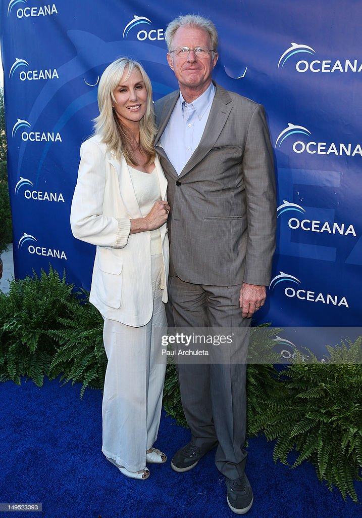 Actors Rachelle Carson (L) and Ed Begley Jr. (R) attend the 2012 Oceana's SeaChange summer party on July 29, 2012 in Laguna Beach, California.
