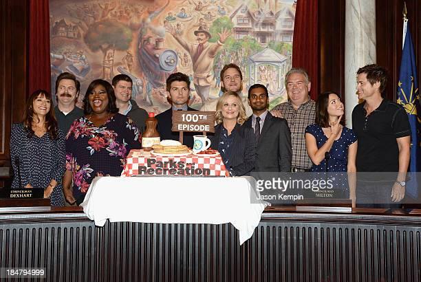 Actors Rashida Jones Nick Offerman Marietta Sirleaf Michael Schur Amy Poehler Chris Pratt Aziz Ansari Jim O'Heir Aubrey Plaza and Rob Lowe attend the...