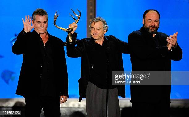 Actors Ray Liotta Robert De Niro and James Gandolfini speak onstage during Spike TV's 4th Annual 'Guys Choice Awards' held at Sony Studios on June 5...