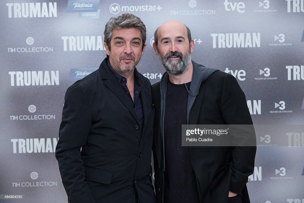 ¿Cuánto mide Ricardo Darín? - Real height Actors-ricardo-darin-and-javier-camara-attend-the-truman-photocall-at-picture-id494304232