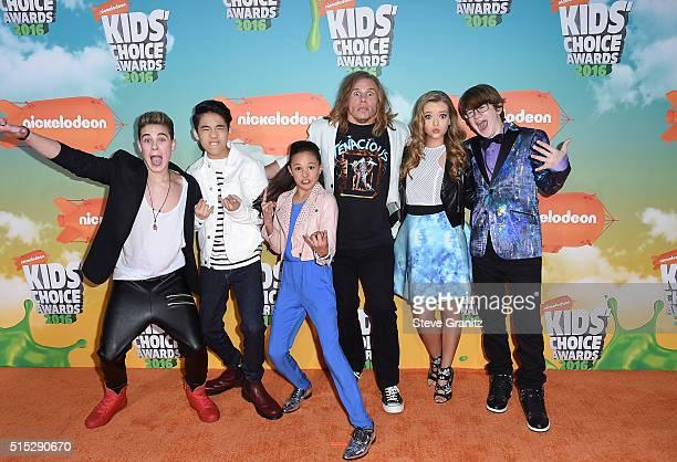 Actors Ricardo Hurtado Lance Lim Breanna Yde Tony Cavalero Jade Pettyjohn and Aidan Miner attends Nickelodeon's 2016 Kids' Choice Awards at The Forum...