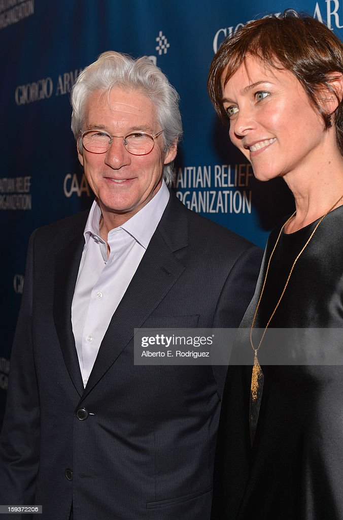 Actors <a gi-track='captionPersonalityLinkClicked' href=/galleries/search?phrase=Richard+Gere&family=editorial&specificpeople=202110 ng-click='$event.stopPropagation()'>Richard Gere</a> (L) and <a gi-track='captionPersonalityLinkClicked' href=/galleries/search?phrase=Carey+Lowell&family=editorial&specificpeople=211361 ng-click='$event.stopPropagation()'>Carey Lowell</a> attend the 2nd Annual Sean Penn and Friends Help Haiti Home Gala benefiting J/P HRO presented by Giorgio Armani at Montage Hotel on January 12, 2013 in Los Angeles, California.