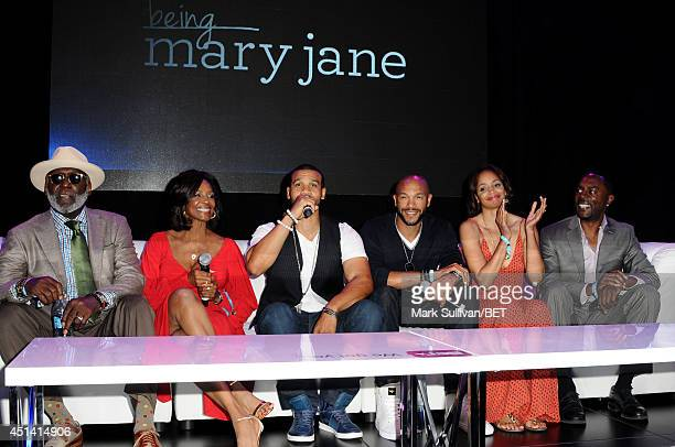 Actors Richard Roundtree Margaret Avery Aaron D Spears Stephen Bishop Latarsha Rose and Richard Brooks speak onstage at the Fan Fest BET and Centric...