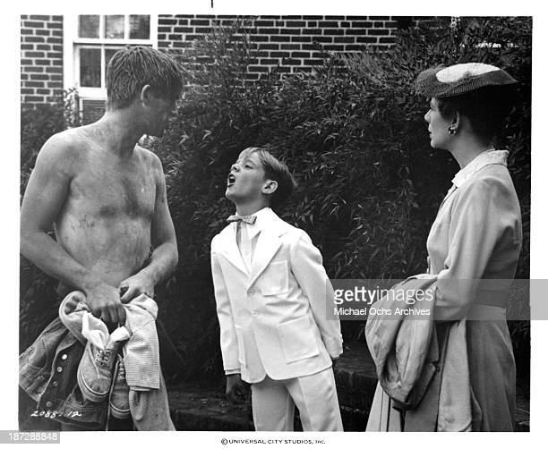 Actors Richard Thomas Bryan Scott and actress Collin Wilcox Paxton on set for the Universal Studios movie'September 30 1955' in 1977