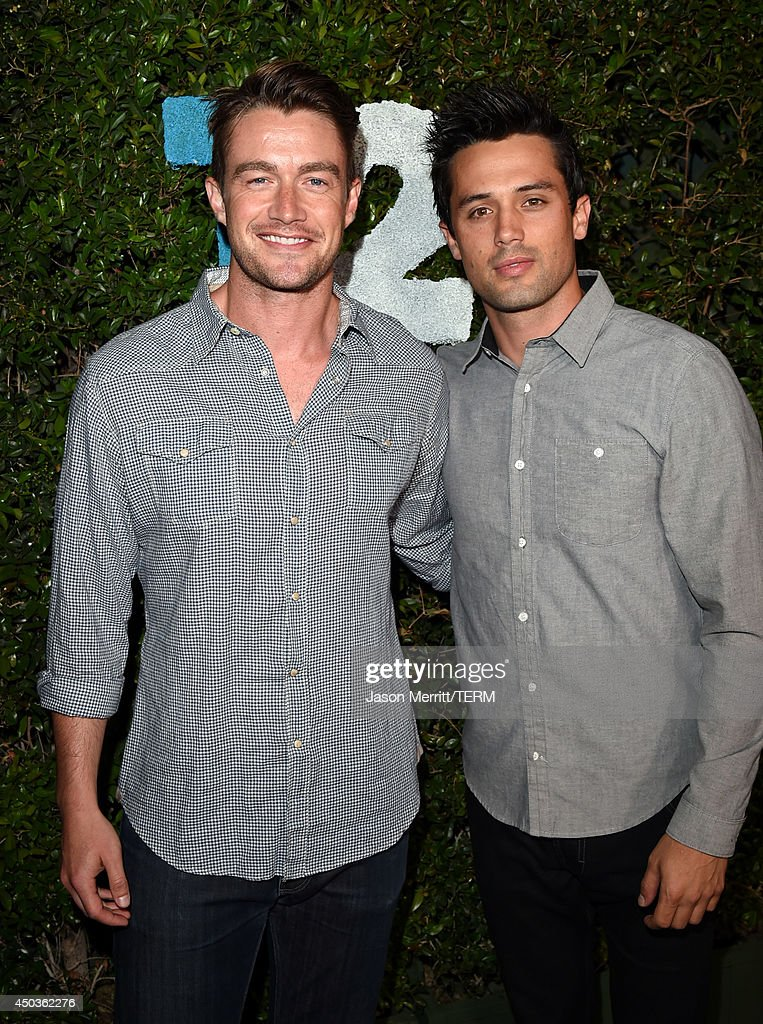 Actors <a gi-track='captionPersonalityLinkClicked' href=/galleries/search?phrase=Robert+Buckley&family=editorial&specificpeople=981297 ng-click='$event.stopPropagation()'>Robert Buckley</a> (L) and Stephen Colletti attend the Take-Two E3 Kickoff Party at Cecconi's Restaurant on June 9, 2014 in Los Angeles, California.