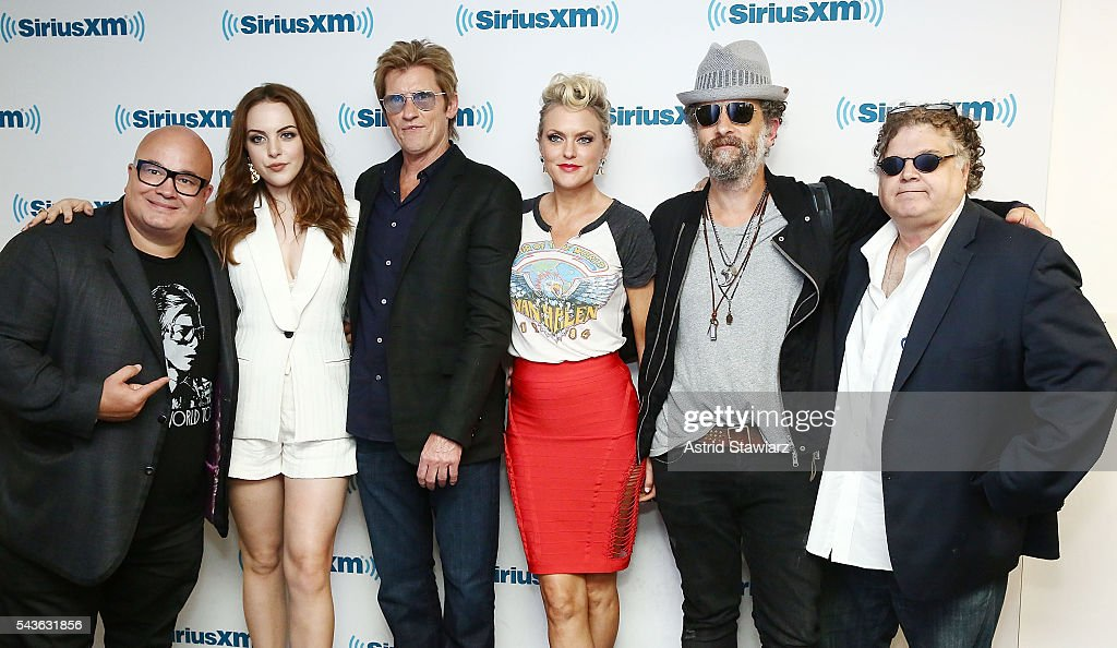 Actors Robert Kelly, <a gi-track='captionPersonalityLinkClicked' href=/galleries/search?phrase=Elizabeth+Gillies&family=editorial&specificpeople=6839338 ng-click='$event.stopPropagation()'>Elizabeth Gillies</a>, <a gi-track='captionPersonalityLinkClicked' href=/galleries/search?phrase=Denis+Leary&family=editorial&specificpeople=204773 ng-click='$event.stopPropagation()'>Denis Leary</a>, <a gi-track='captionPersonalityLinkClicked' href=/galleries/search?phrase=Elaine+Hendrix&family=editorial&specificpeople=584608 ng-click='$event.stopPropagation()'>Elaine Hendrix</a>, <a gi-track='captionPersonalityLinkClicked' href=/galleries/search?phrase=John+Ales&family=editorial&specificpeople=15007674 ng-click='$event.stopPropagation()'>John Ales</a> and SiriusXM host Ron Bennington attend SiriusXM's 'Town Hall' With The Cast Of Sex&Drugs&Rock&Roll on June 29, 2016 in New York City.