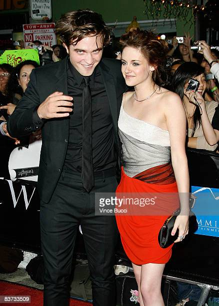 Actors Robert Pattinson and Kristen Stewart attends the premiere of Summit Entertainment's 'Twilight' at The Mann Village and Bruin Theatres on...