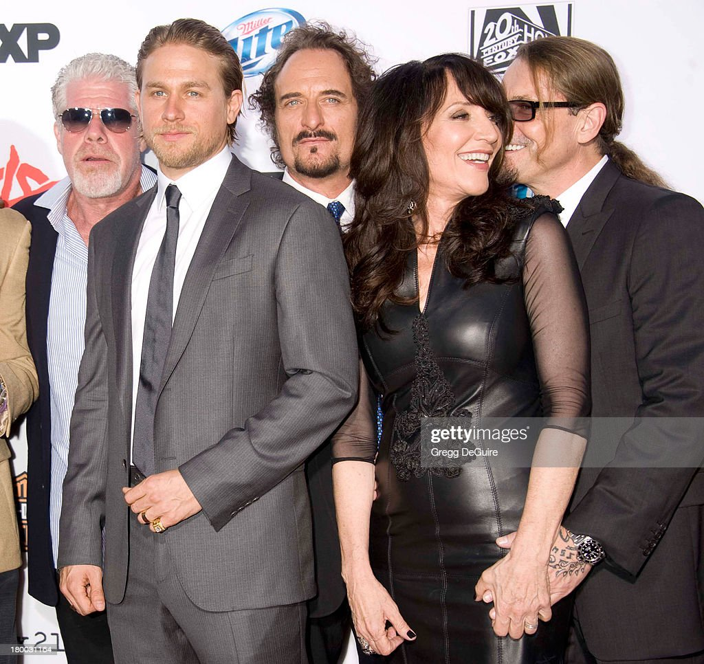 Actors <a gi-track='captionPersonalityLinkClicked' href=/galleries/search?phrase=Ron+Perlman+-+Actor&family=editorial&specificpeople=208159 ng-click='$event.stopPropagation()'>Ron Perlman</a>, <a gi-track='captionPersonalityLinkClicked' href=/galleries/search?phrase=Charlie+Hunnam&family=editorial&specificpeople=223913 ng-click='$event.stopPropagation()'>Charlie Hunnam</a>, <a gi-track='captionPersonalityLinkClicked' href=/galleries/search?phrase=Kim+Coates&family=editorial&specificpeople=678530 ng-click='$event.stopPropagation()'>Kim Coates</a>, <a gi-track='captionPersonalityLinkClicked' href=/galleries/search?phrase=Katey+Sagal&family=editorial&specificpeople=221480 ng-click='$event.stopPropagation()'>Katey Sagal</a> and executive producer Kurt Sutter arrive at FX's 'Sons Of Anarchy' Season 6 premiere screening at Dolby Theatre on September 7, 2013 in Hollywood, California.