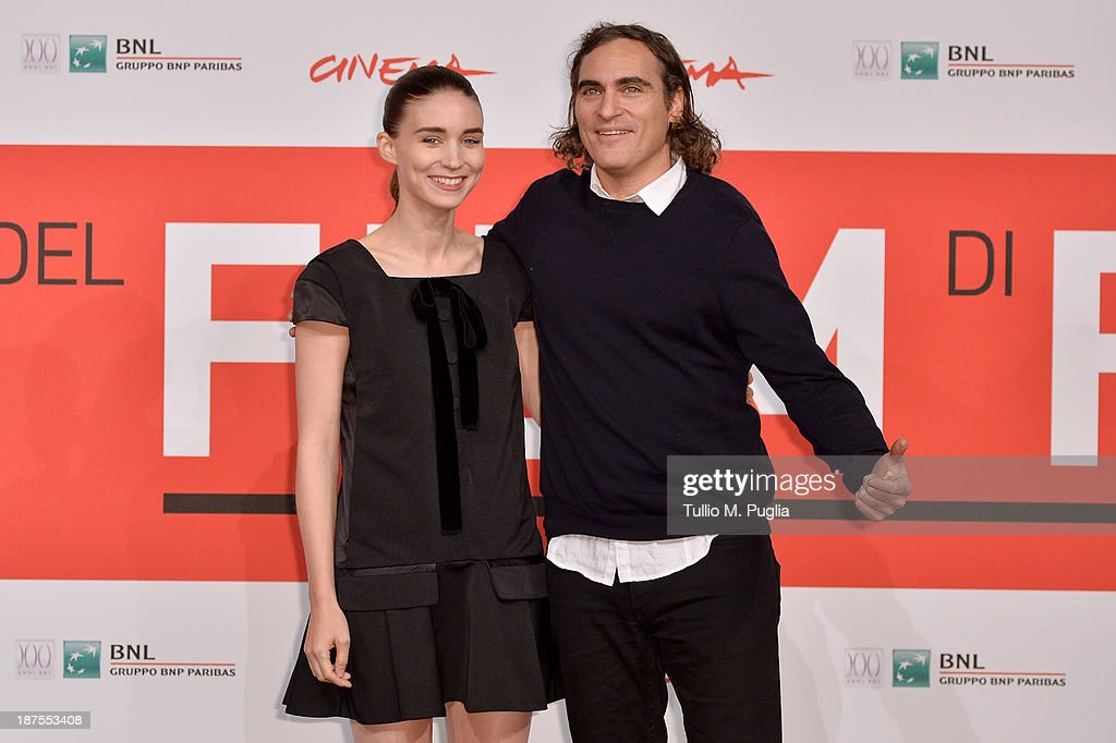 Actors <a gi-track='captionPersonalityLinkClicked' href=/galleries/search?phrase=Rooney+Mara&family=editorial&specificpeople=5669181 ng-click='$event.stopPropagation()'>Rooney Mara</a> and <a gi-track='captionPersonalityLinkClicked' href=/galleries/search?phrase=Joaquin+Phoenix&family=editorial&specificpeople=215391 ng-click='$event.stopPropagation()'>Joaquin Phoenix</a> attend the 'Her' Photocall during the 8th Rome Film Festival at the Auditorium Parco Della Musica on November 10, 2013 in Rome, Italy.