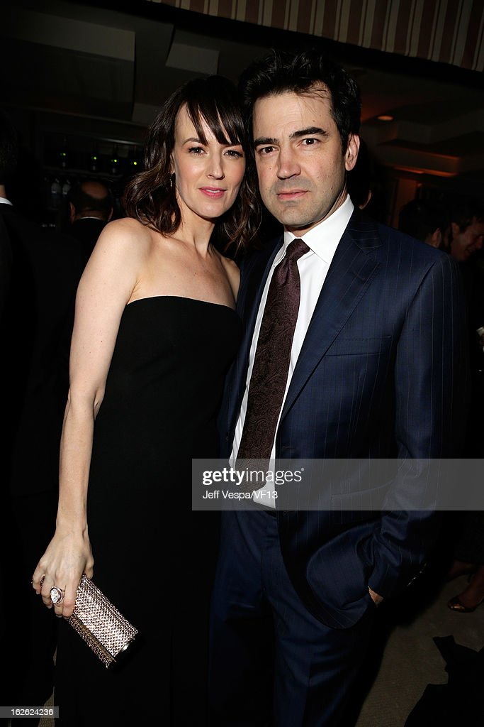 Actors Rosemarie DeWitt (L) and Ron Livingston attend the 2013 Vanity Fair Oscar Party hosted by Graydon Carter at Sunset Tower on February 24, 2013 in West Hollywood, California.