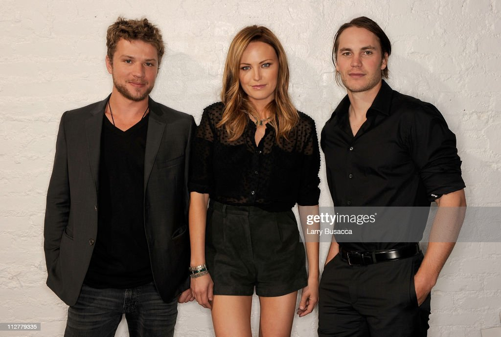 Actors <a gi-track='captionPersonalityLinkClicked' href=/galleries/search?phrase=Ryan+Phillippe&family=editorial&specificpeople=210855 ng-click='$event.stopPropagation()'>Ryan Phillippe</a>, <a gi-track='captionPersonalityLinkClicked' href=/galleries/search?phrase=Malin+Akerman&family=editorial&specificpeople=598245 ng-click='$event.stopPropagation()'>Malin Akerman</a> and <a gi-track='captionPersonalityLinkClicked' href=/galleries/search?phrase=Taylor+Kitsch&family=editorial&specificpeople=745008 ng-click='$event.stopPropagation()'>Taylor Kitsch</a> visit the Tribeca Film Festival 2011 portrait studio on April 21, 2011 in New York City.
