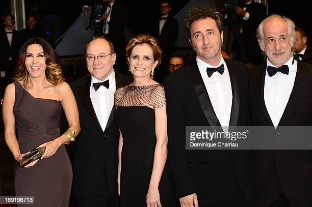 Actors Sabrina Ferilli Carlo Verdone Isabella Ferrari director Paolo Sorrentino and actor Toni Servillo attend the Premiere of 'La Grande Bellezza'...
