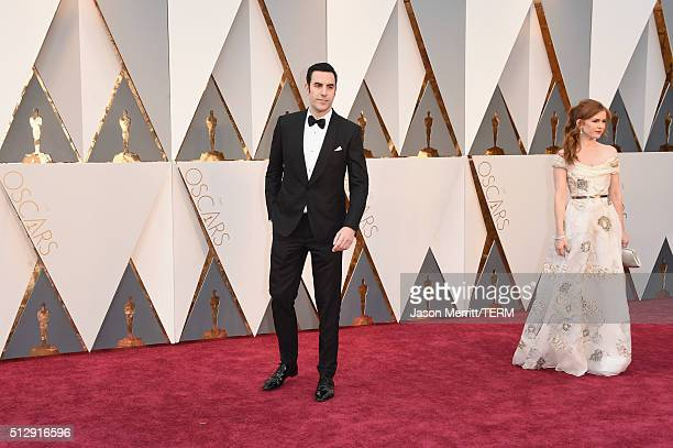 Actors Sacha Baron Cohen and Isla Fisher attend the 88th Annual Academy Awards at Hollywood Highland Center on February 28 2016 in Hollywood...