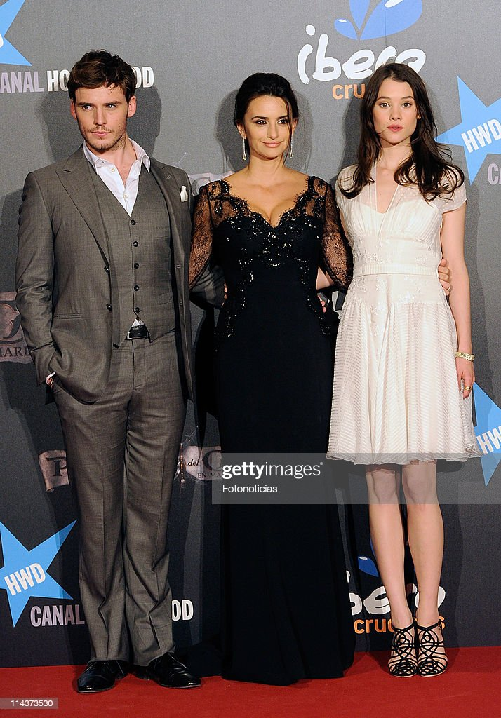 Actors <a gi-track='captionPersonalityLinkClicked' href=/galleries/search?phrase=Sam+Claflin&family=editorial&specificpeople=7238693 ng-click='$event.stopPropagation()'>Sam Claflin</a>, <a gi-track='captionPersonalityLinkClicked' href=/galleries/search?phrase=Penelope+Cruz&family=editorial&specificpeople=171775 ng-click='$event.stopPropagation()'>Penelope Cruz</a> and <a gi-track='captionPersonalityLinkClicked' href=/galleries/search?phrase=Astrid+Berges-Frisbey&family=editorial&specificpeople=5582214 ng-click='$event.stopPropagation()'>Astrid Berges-Frisbey</a> attend 'Pirates Of The Caribbean: On Stranger Tides' premiere at Kinepolis Cinema on May 18, 2011 in Madrid, Spain.