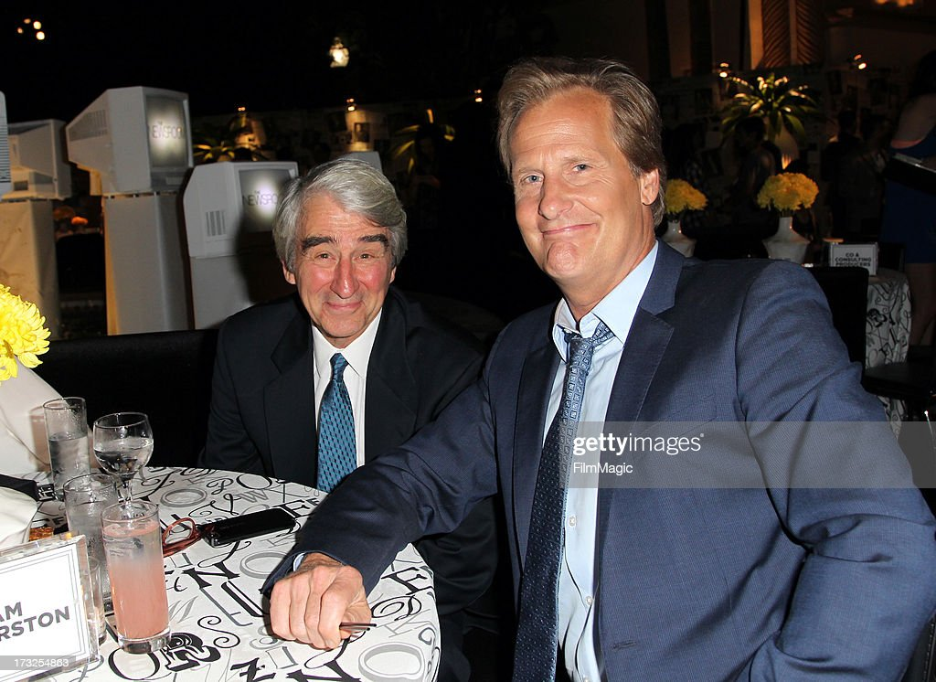 Actors <a gi-track='captionPersonalityLinkClicked' href=/galleries/search?phrase=Sam+Waterston&family=editorial&specificpeople=212718 ng-click='$event.stopPropagation()'>Sam Waterston</a> (L) and Jeff Daniels attend the after party for HBO's 'The Newsroom' season 2 premiere at Paramount Studios on July 10, 2013 in Hollywood, California.
