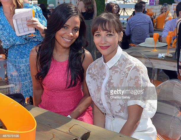 Actors Sanaa Lathan and Rashida Jones attend the FifthAnnual Veuve Clicquot Polo Classic at Will Rogers State Historic Park on October 11 2014 in...