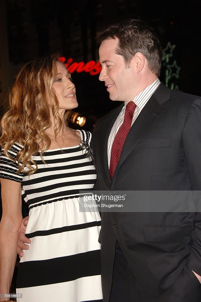 Actors Sarah Jessica Parker and husband Matthew Broderick attend the 20th Century Fox Premiere of 'Deck The Halls' at Mann's Grauman Chinese Theater on November 12, 2006 in Hollywood, California.