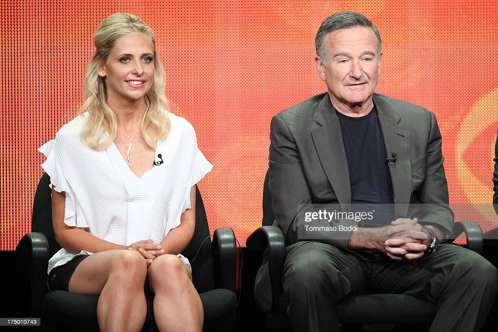 Actors <a gi-track='captionPersonalityLinkClicked' href=/galleries/search?phrase=Sarah+Michelle+Gellar&family=editorial&specificpeople=201781 ng-click='$event.stopPropagation()'>Sarah Michelle Gellar</a> (L) and <a gi-track='captionPersonalityLinkClicked' href=/galleries/search?phrase=Robin+Williams+-+Actor&family=editorial&specificpeople=174322 ng-click='$event.stopPropagation()'>Robin Williams</a> of the TV show 'The Crazy Ones' attend the Television Critic Association's Summer Press Tour - CBS/CW/Showtime panels held at The Beverly Hilton Hotel on July 29, 2013 in Beverly Hills, California.
