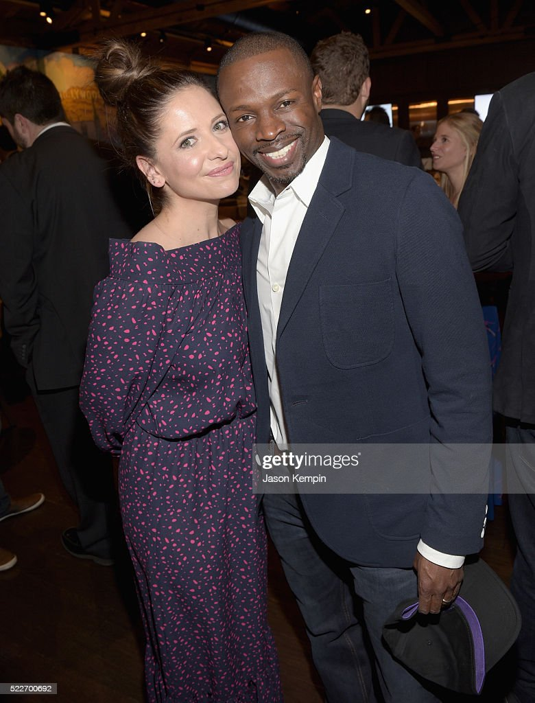 Actors Sarah Michelle Gellar and Sean Patrick Thomas attend the 2nd annual Los Angeles Fatherhood Lunch to benefit GOOD+FOUNDATION at The Palm Restaurant on April 20, 2016 in Beverly Hills, California.