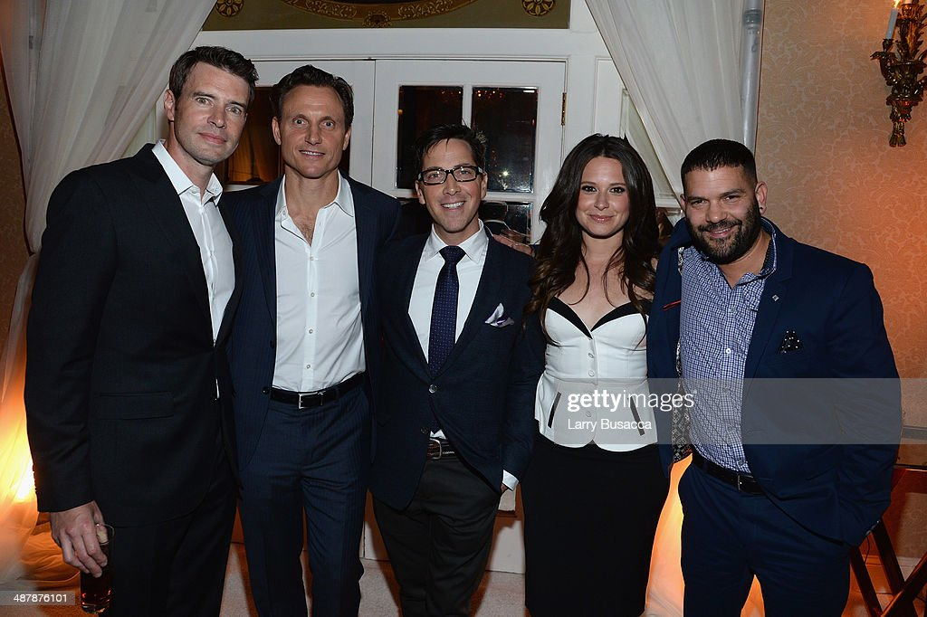 Actors <a gi-track='captionPersonalityLinkClicked' href=/galleries/search?phrase=Scott+Foley&family=editorial&specificpeople=615795 ng-click='$event.stopPropagation()'>Scott Foley</a>, <a gi-track='captionPersonalityLinkClicked' href=/galleries/search?phrase=Tony+Goldwyn&family=editorial&specificpeople=234897 ng-click='$event.stopPropagation()'>Tony Goldwyn</a>, <a gi-track='captionPersonalityLinkClicked' href=/galleries/search?phrase=Dan+Bucatinsky&family=editorial&specificpeople=2363542 ng-click='$event.stopPropagation()'>Dan Bucatinsky</a>, <a gi-track='captionPersonalityLinkClicked' href=/galleries/search?phrase=Katie+Lowes&family=editorial&specificpeople=5527804 ng-click='$event.stopPropagation()'>Katie Lowes</a> and Guillermo Díaz attend the PEOPLE/TIME WHCD cocktail party at St Regis Hotel - Astor Terrace on May 2, 2014 in Washington, DC.