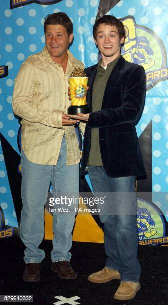Actors Sean Astin and Elijah Wood with the Award for Best On Screen Team Gollum for The Lord of the Rings The Two Towers during the MTV Movie Awards...