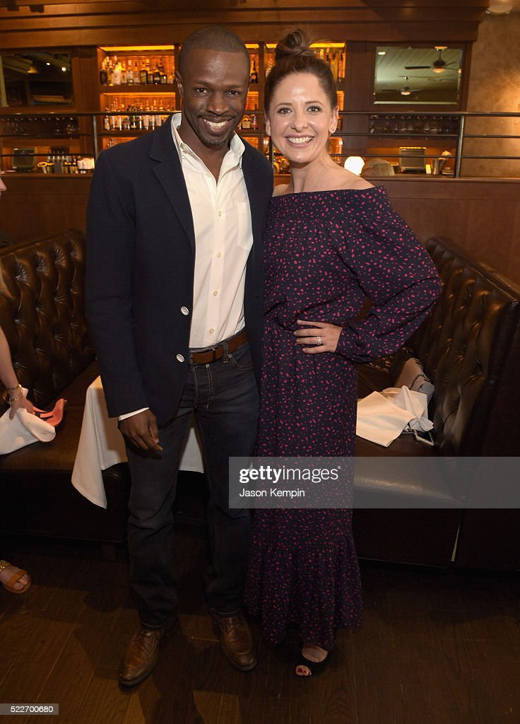 Actors Sean Patrick Thomas and Sarah Michelle Gellar attend the 2nd annual Los Angeles Fatherhood Lunch to benefit GOOD+FOUNDATION at The Palm Restaurant on April 20, 2016 in Beverly Hills, California.
