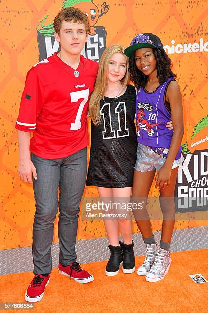 Actors Sean Ryan Fox Ella Anderson and Riele Downs arrive at the Nickelodeon Kids' Choice Sports Awards 2016 at UCLA's Pauley Pavilion on July 14...