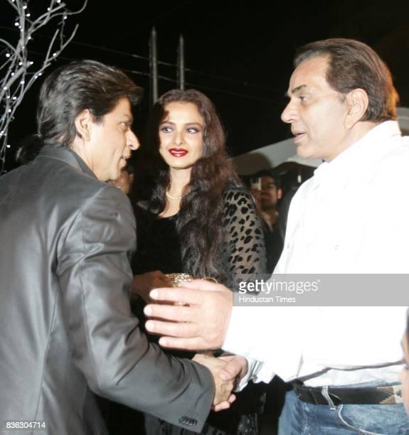 Actors Shahrukh Khan Rekha and Dharmendra at HT Cafe Awards