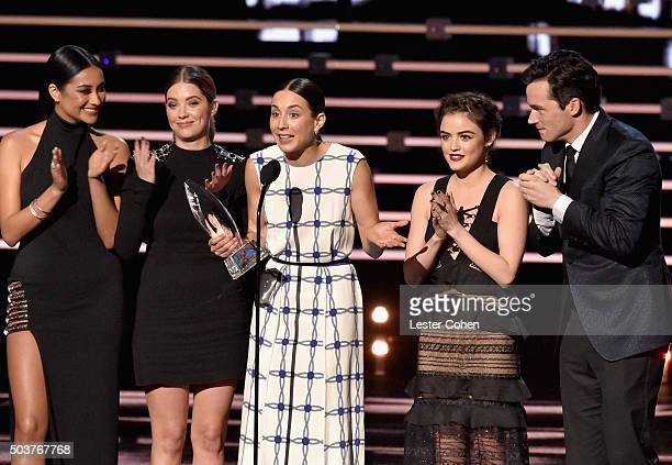 Actors Shay Mitchell Ashley Benson Troian Bellisario Lucy Hale and Ian Harding accept the Favorite Cable TV Drama award for 'Pretty Little Liars'...