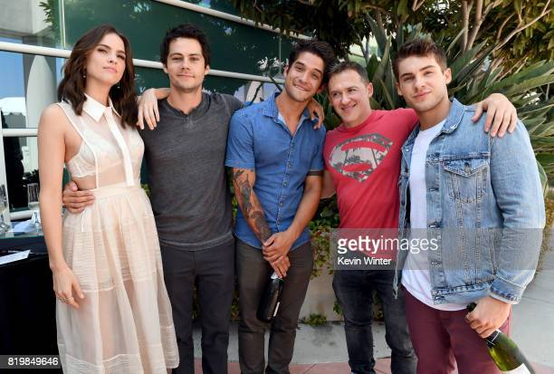 Actors Shelley Hennig Dylan O'Brien Tyler Posey executive producer Jeff Davis and actor Cody Christian from 'Teen Wolf' celebrate their final season...