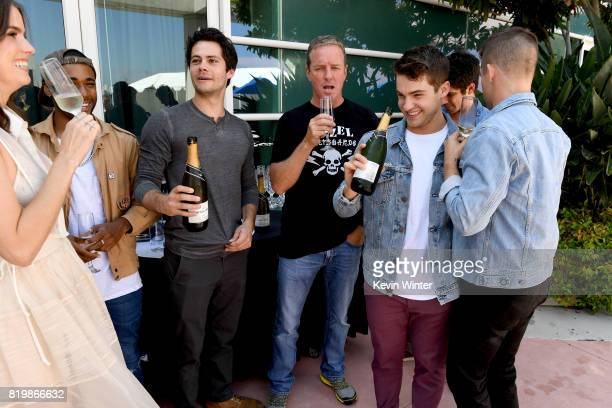 Actors Shelley Hennig Khylin Rhambo Dylan O'Brien Linden Ashby Cody Christian Tyler Posey and Charlie Carver from 'Teen Wolf' celebrate their final...
